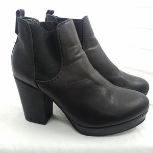 Asos size 39 Black Ankle Boots Platform Booties